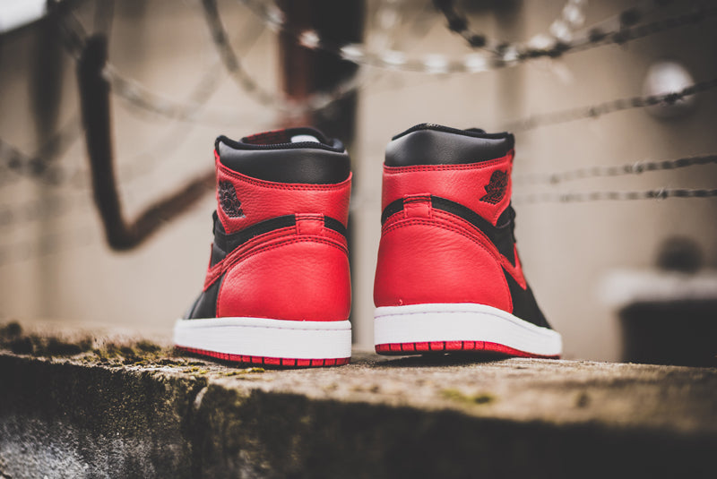 "Nike Air Jordan 1 Retro High OG ""Banned"" 555088-001 07 800pix"