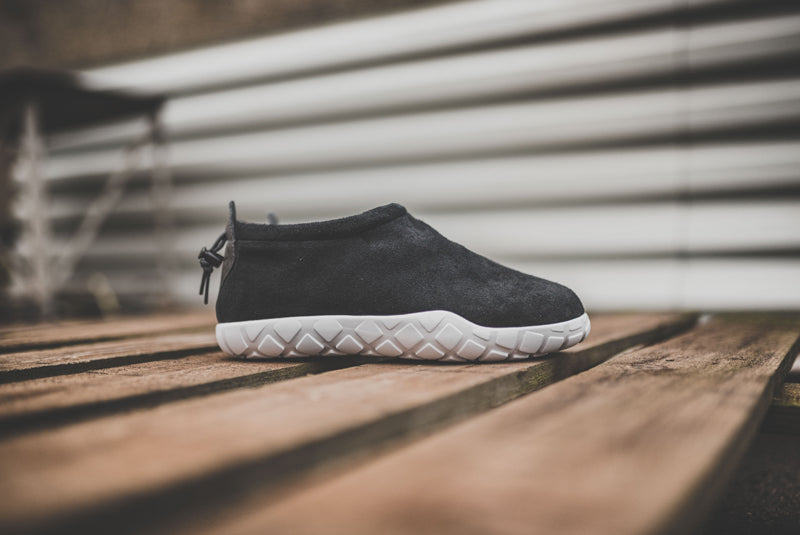 nike-air-moc-ultra-862440-001-01-800pix