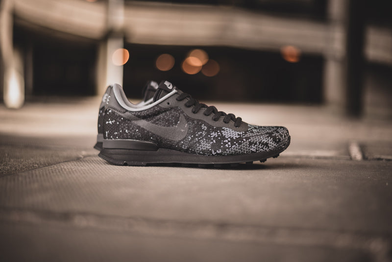 Nike Internationalist JCR QS black 01 800pix