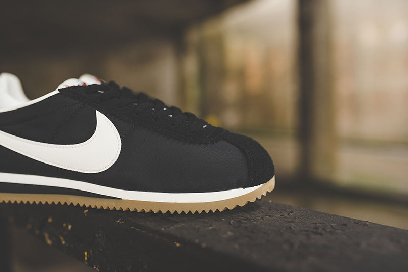 buy popular 52b47 6e8e1 Nike Classic Cortez Nylon Premium 876873-002. BLACK SAIL-GUM LIGHT BROWN