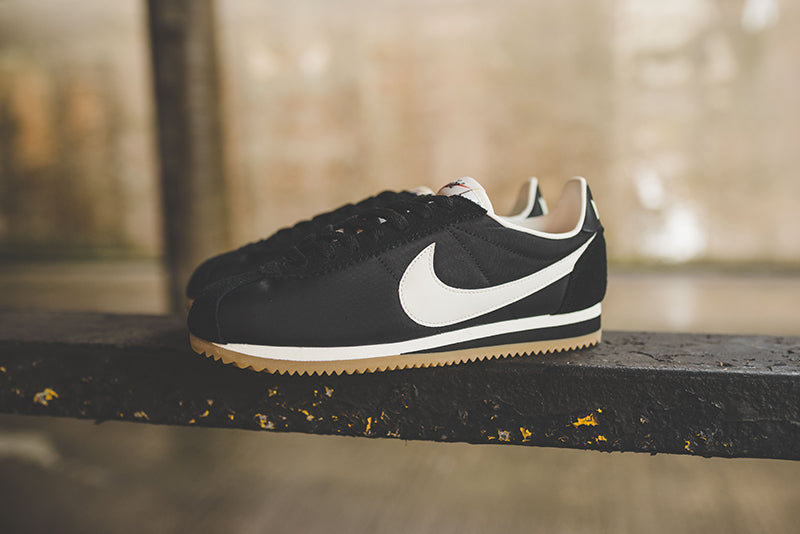 wholesale dealer d2a9e 6db40 The Nike Classic Cortez Nylon Premium Men s Shoe offers the timeless look of  the original with a low-cut nylon upper and durable, supportive overlays.