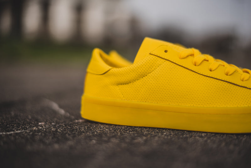 separation shoes 89305 b3b03 adidas Court Vantage YELLOW 04 800pix