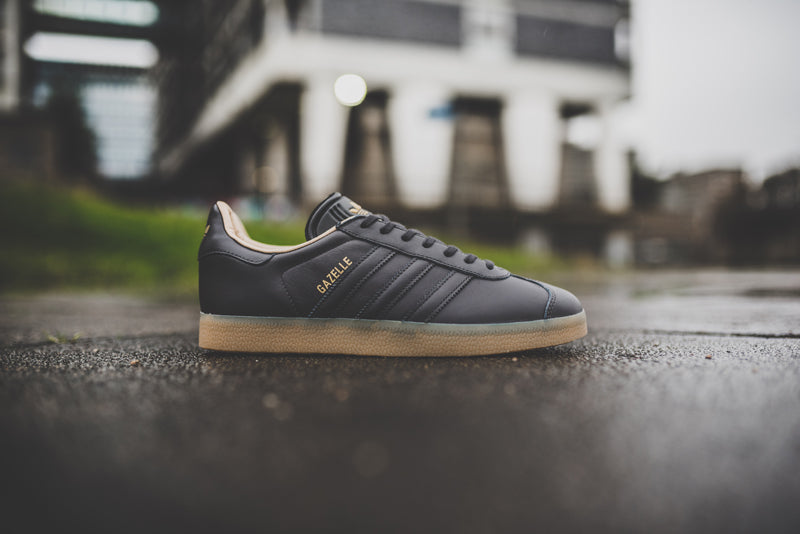 adidas-gazelle-utility-black-f16-and-ftwr-white-bb5504-and-bb5503_1