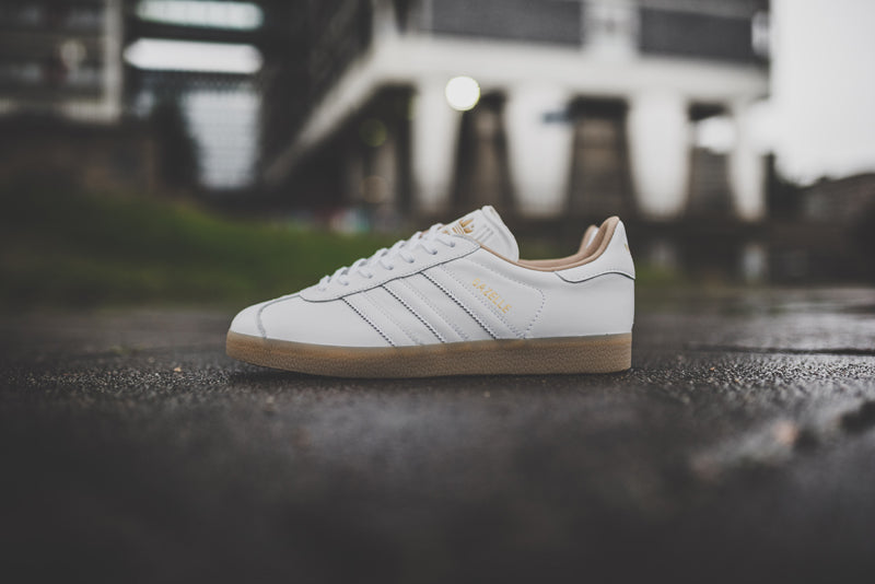 adidas-gazelle-utility-black-f16-and-ftwr-white-bb5504-and-bb5503_14