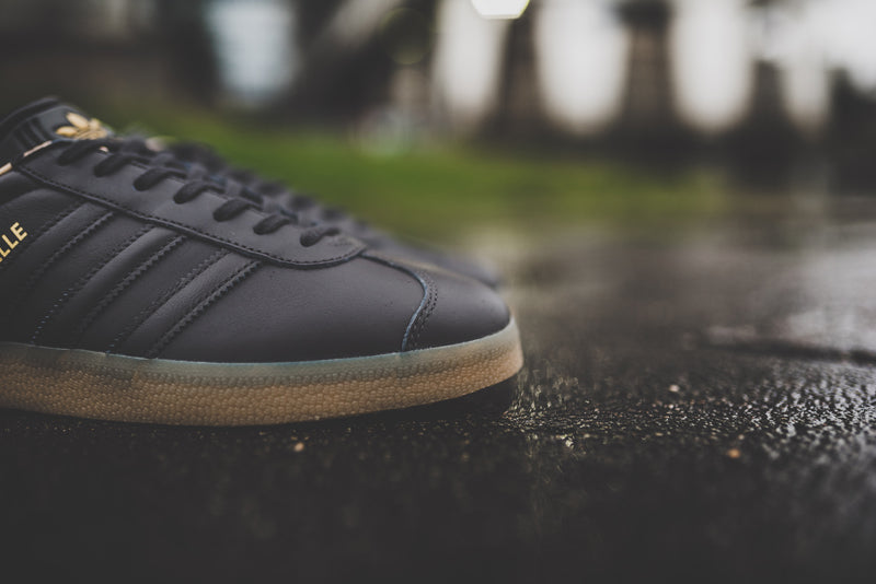 adidas-gazelle-utility-black-f16-and-ftwr-white-bb5504-and-bb5503_5