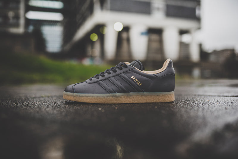 adidas-gazelle-utility-black-f16-and-ftwr-white-bb5504-and-bb5503_9