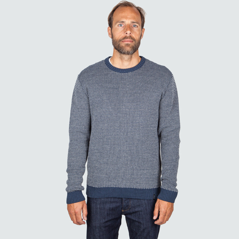 beacon_crew_indigo_m_onbody_front