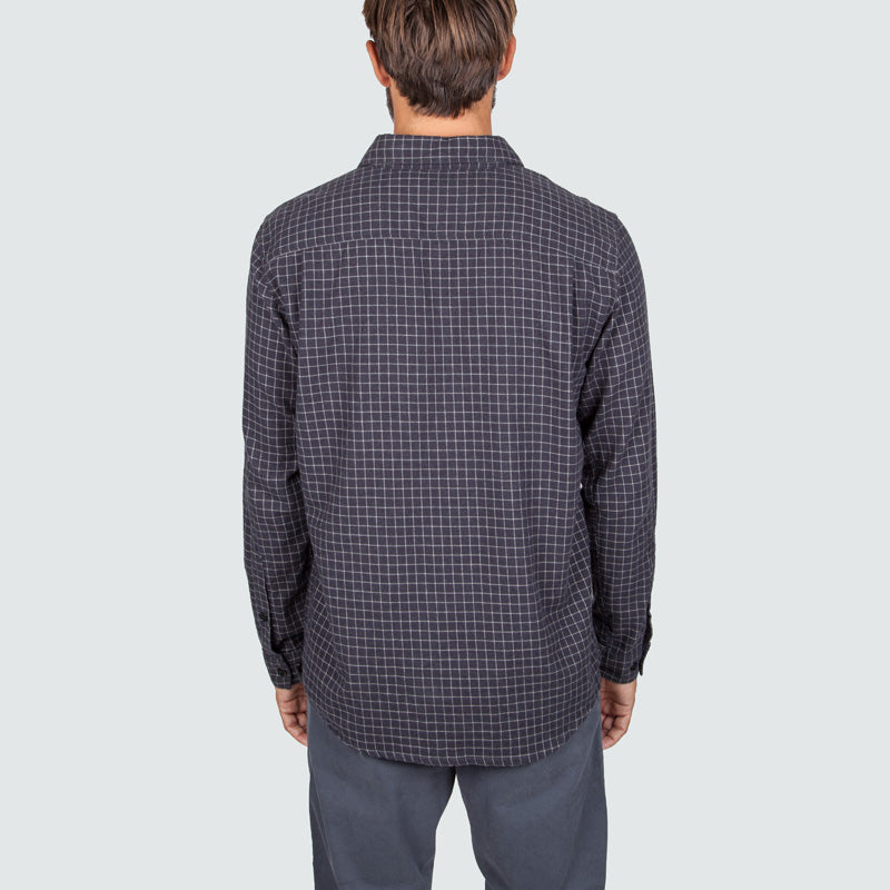 lantic_shirt_mono_check_m_onbody_back