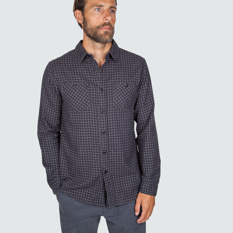 lantic_shirt_mono_check_m_onbody_front