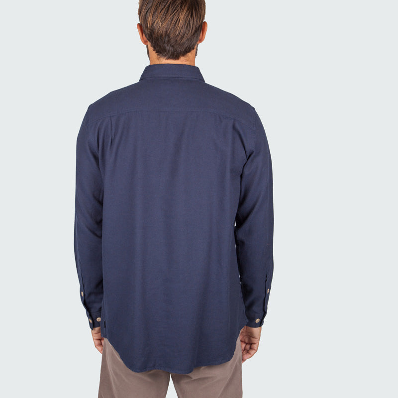 lantic_shirt_navy_m_onbody_back