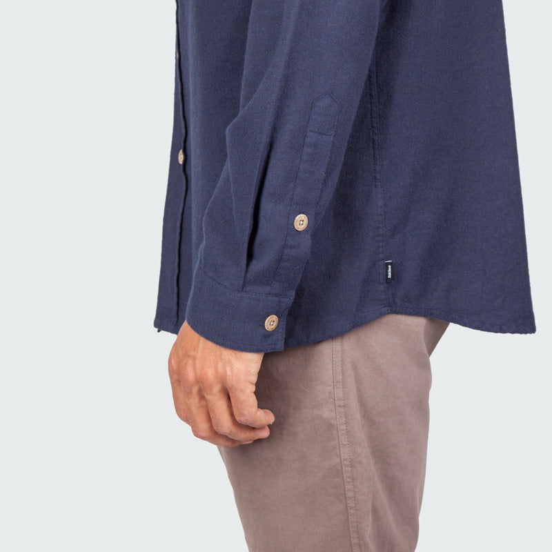 lantic_shirt_navy_m_onbody_detail_2