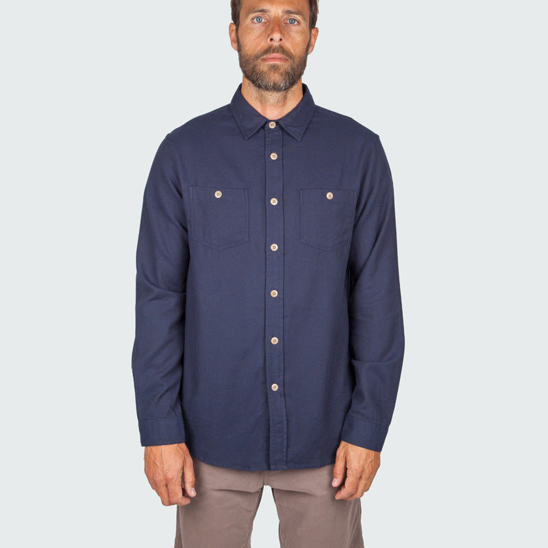 lantic_shirt_navy_m_onbody_front