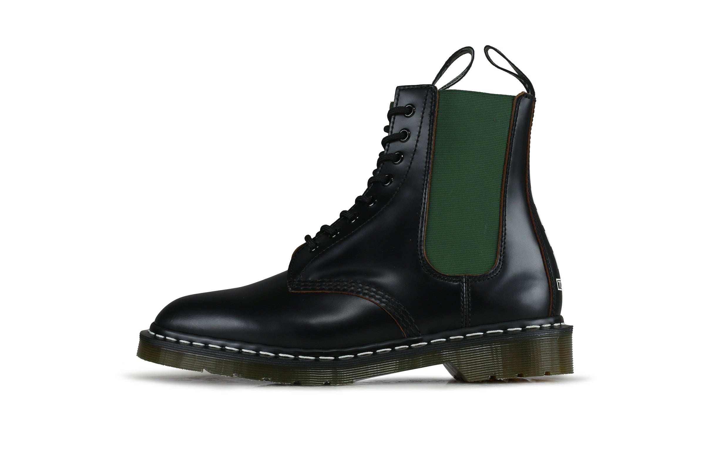 Dr. Martens 1460 x Neighborhood