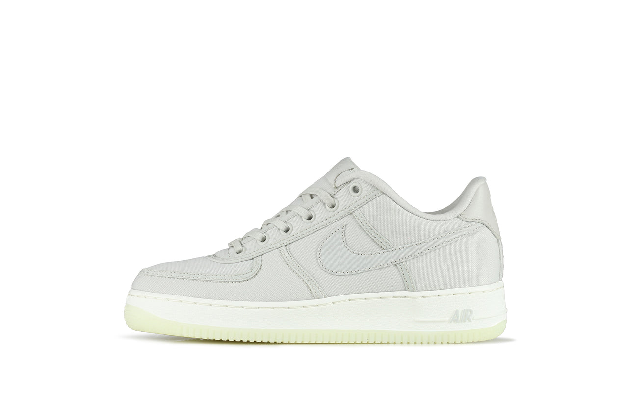 buy popular c1bed ddac0 Nike Air Force 1 Low Retro CNVS QS