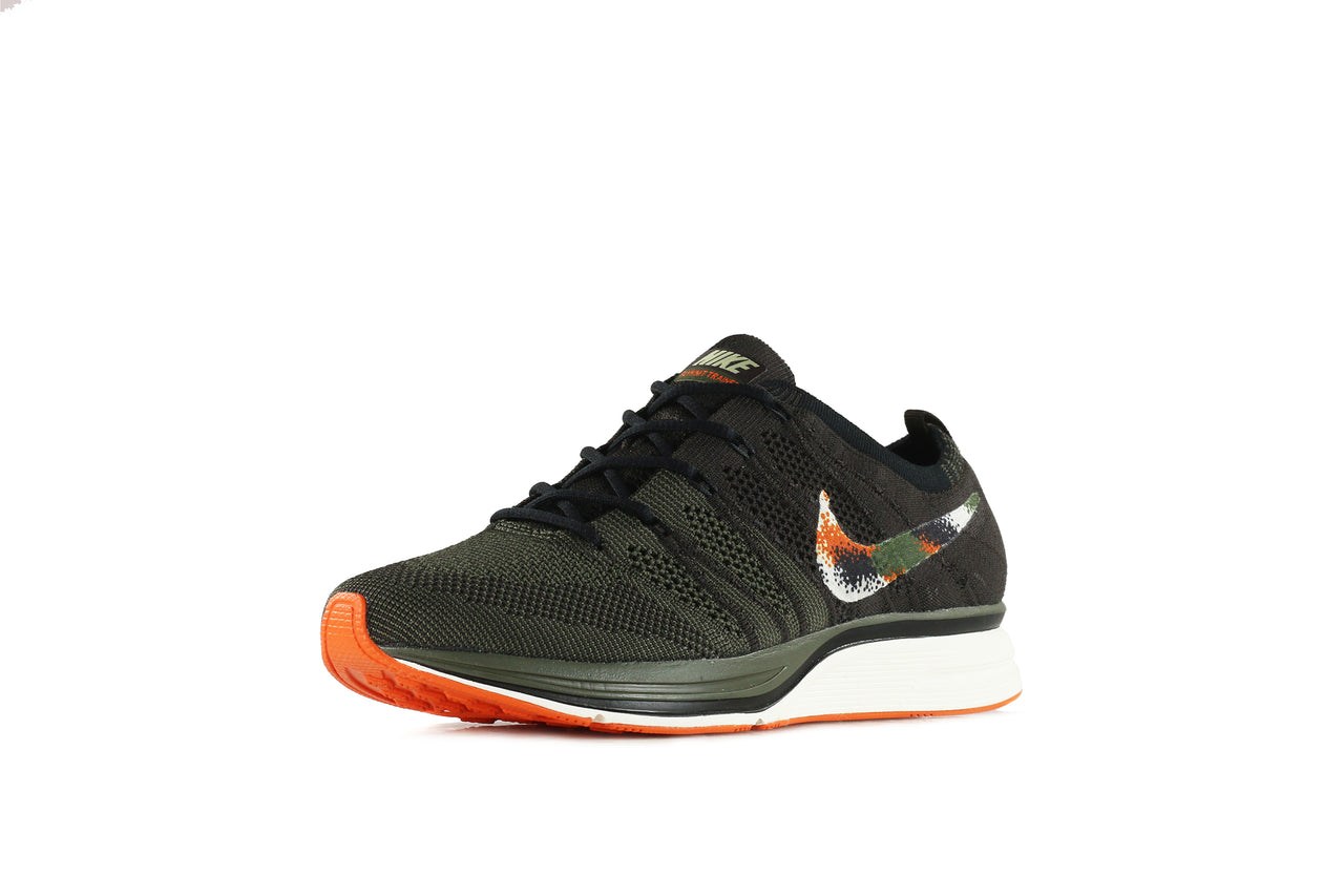 Nike Flyknit Trainer QS