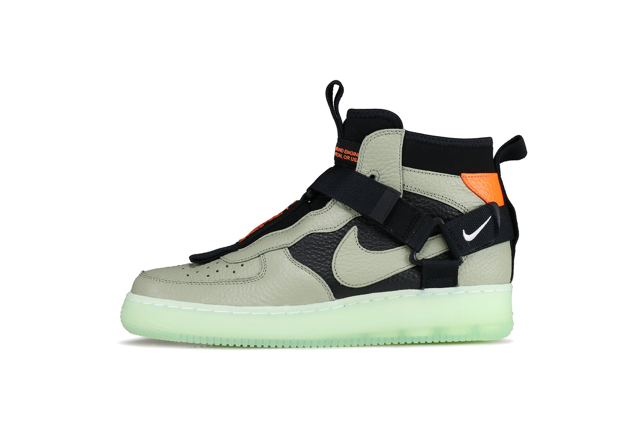 competitive price 239a1 7504b Nike Air Force 1 Utility Mid