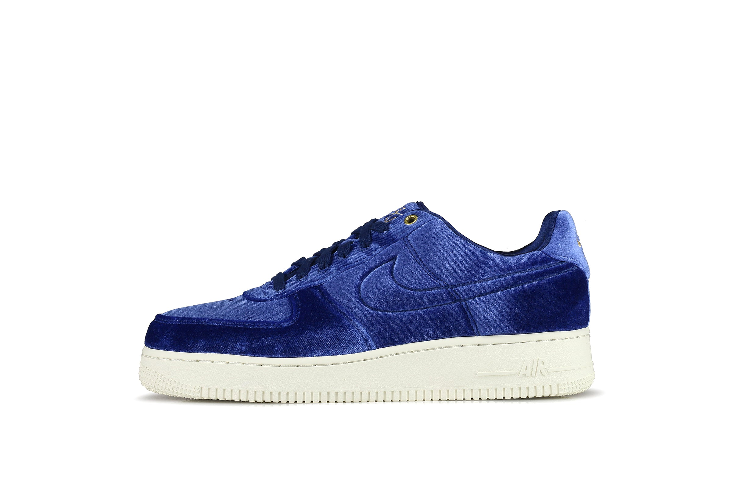 e0e92b9c0a8 Nike Air Force 1 '07 Premium 3