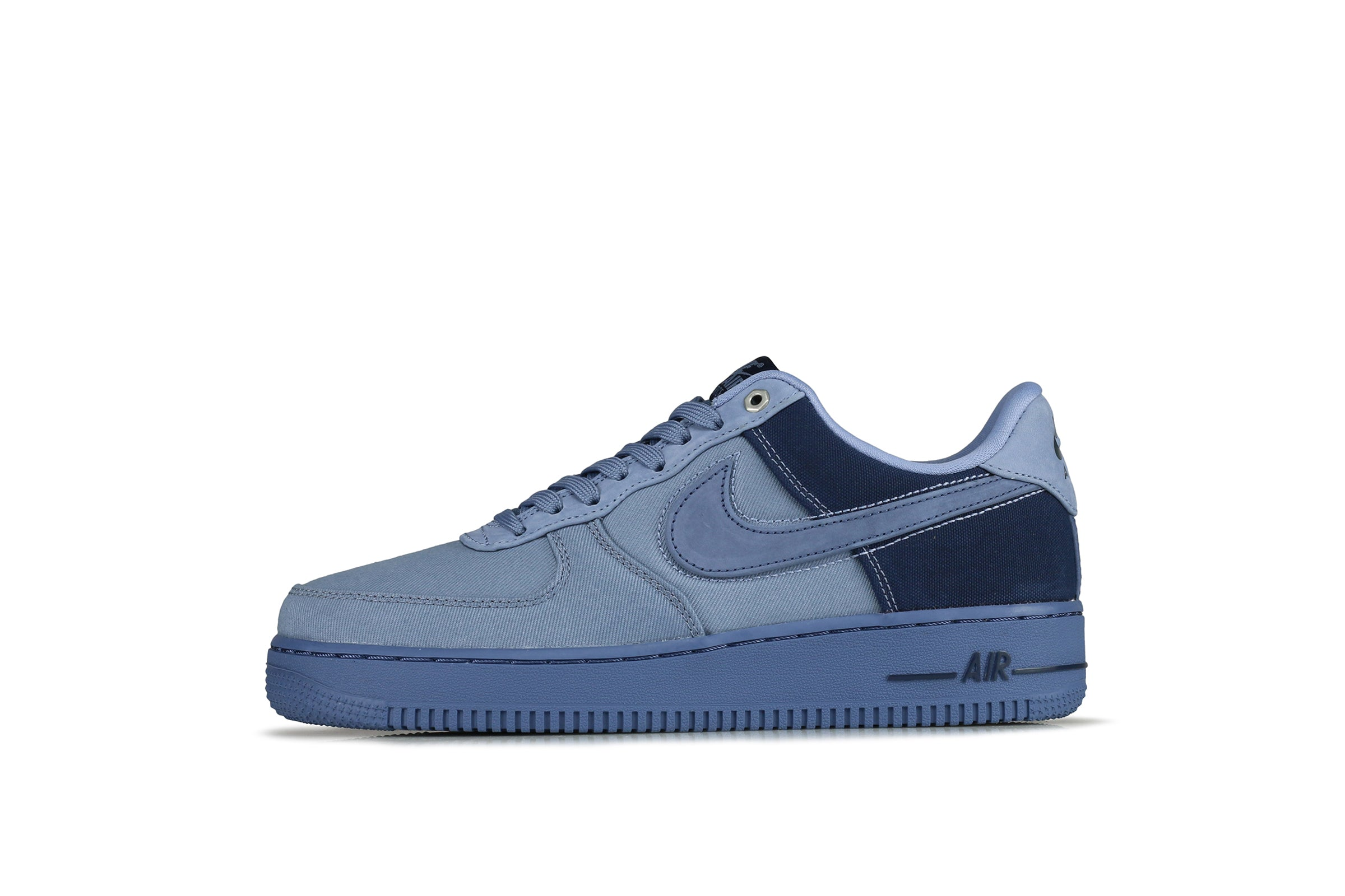 Nike Air Force 1 07 Premium 3