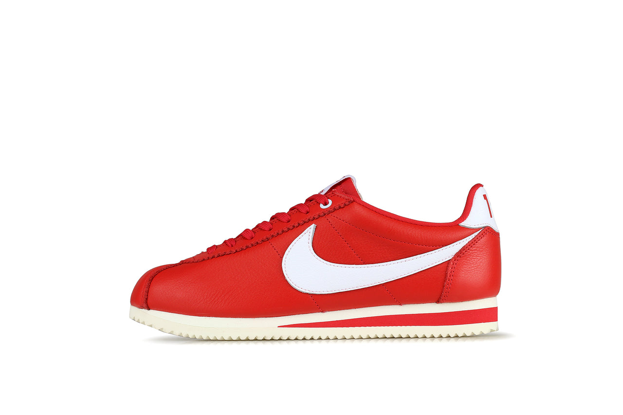 closer at great fit 2018 shoes Nike Classic Cortez QS HH x Stranger Things