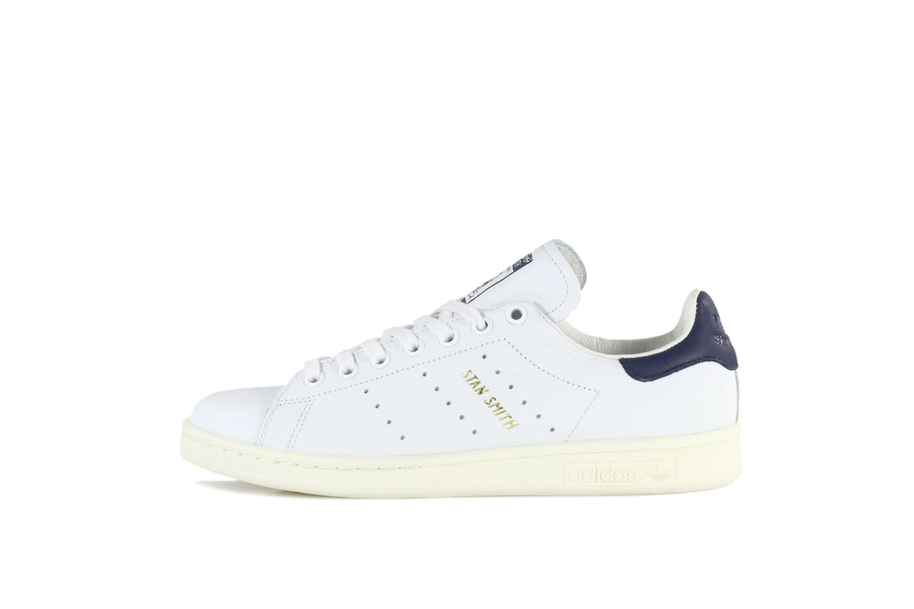 new product 3aee6 e970a Adidas Stan Smith