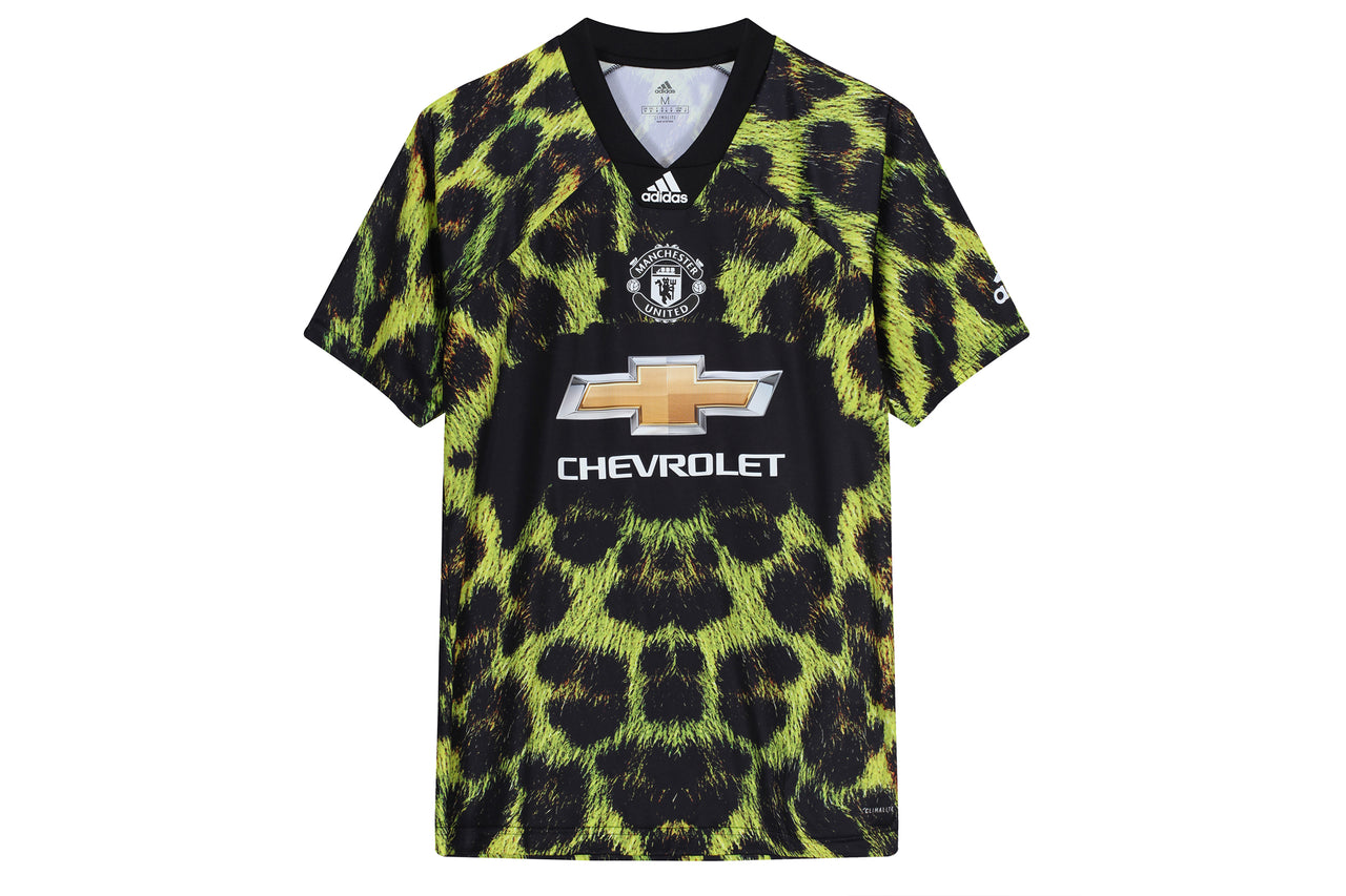 size 40 ca6af e80ed Adidas Manchester United EA Football Jersey