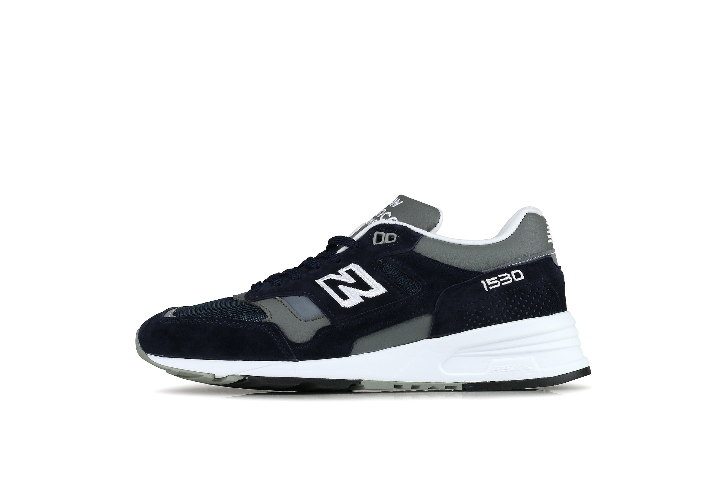 uk availability eab4d 20c16 New Balance M1530NVY