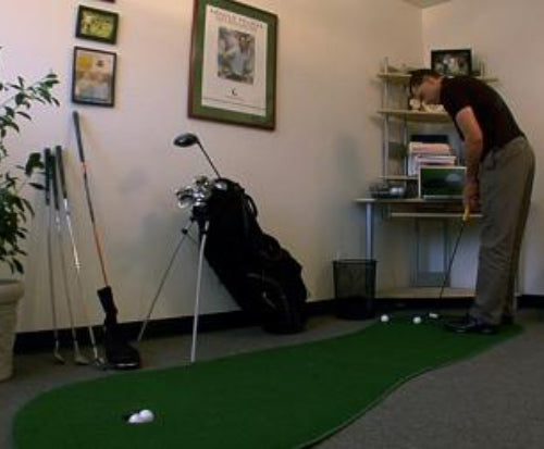 putting-on-big-moss-putting-green-at-home-or-office