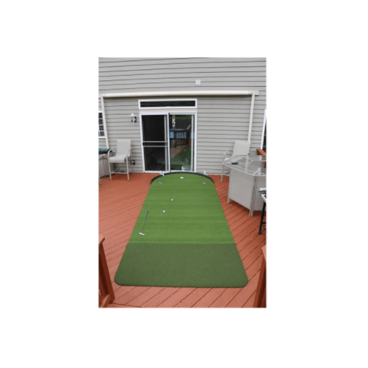 Big Moss Outdoor Putting Green