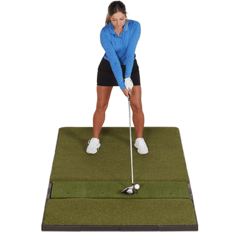 hitting-a-golf-ball-off-the-fiberbuilt-performance-golf-mat