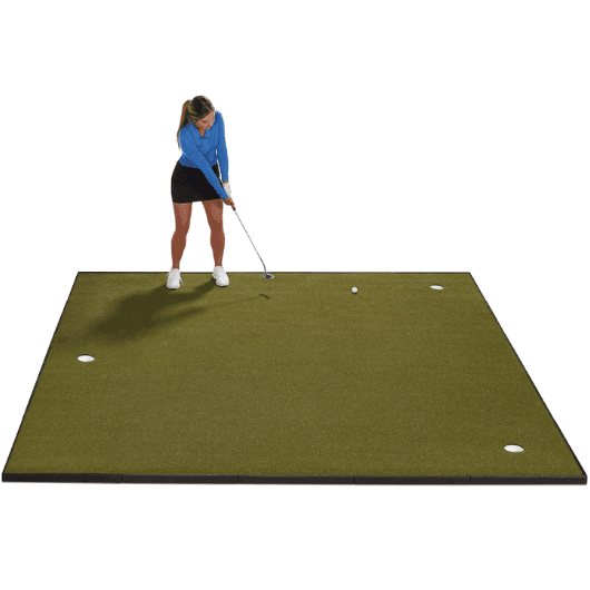 golfer putting on fiberbuilt 10' x 10' putting green