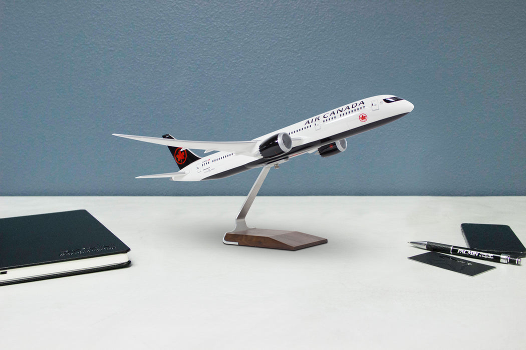 Air Canada Boeing 787-9 Desktop Model 1/100 Scale