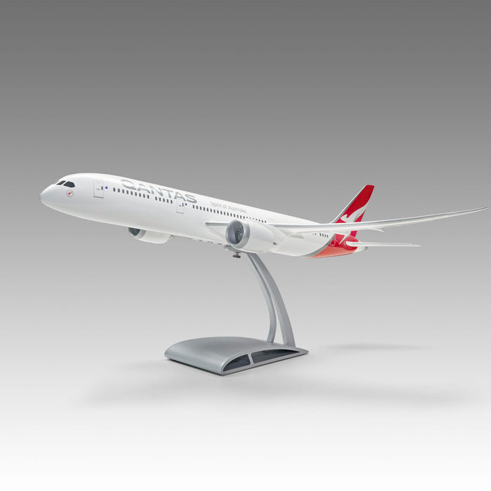 Qantas 787-9 Aircraft model in 1/100 scale with Airfoil base