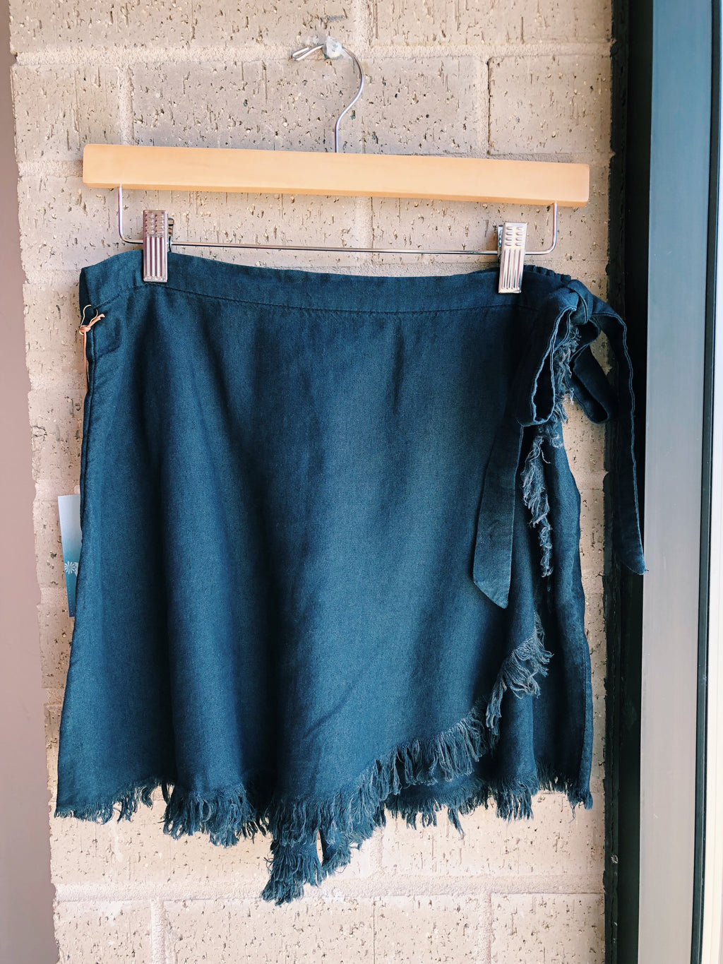 The Great Wrap Shorts - Midnight Chambray