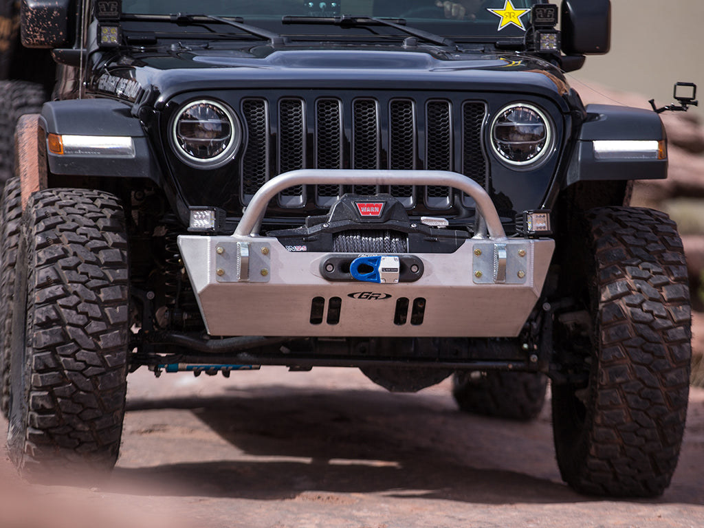 GENRIGHT OFFROAD  Stubby Front w/Winch Guard Bar, Aluminum for 18-up Jeep Wrangler JL & 20-up Jeep Gladiator JT
