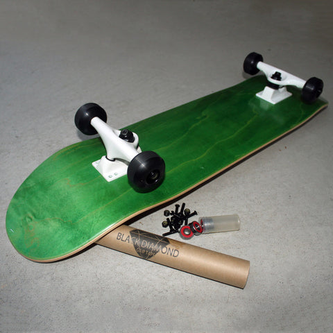BASIC COMPLETE SKATEBOARD