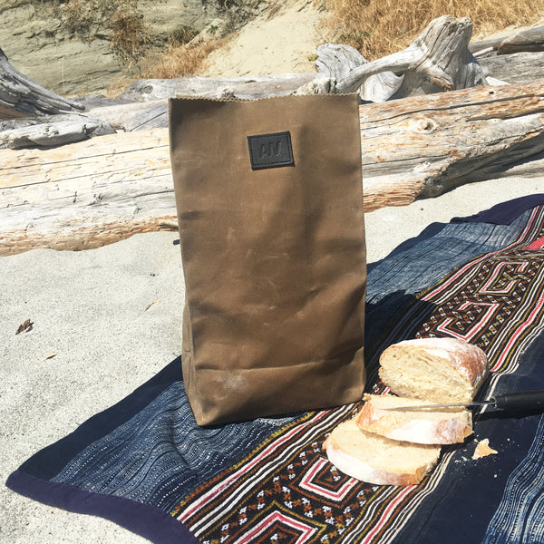 WAXED CANVAS LUNCH BAG | FIELD TAN