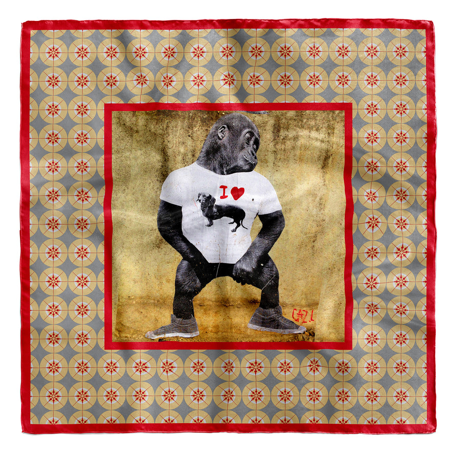 seidentuch-rot-gross-90x90-cm-berlin-street-art-gorilla-mit-i-love-dackel-shirt-mocomoco-berlin-06