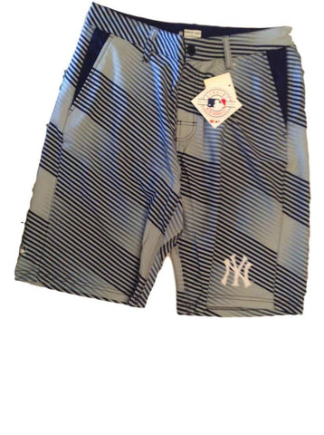 Forever Collectibles MLB Men's New York Yankees Diagonal Stripe Walking Shorts