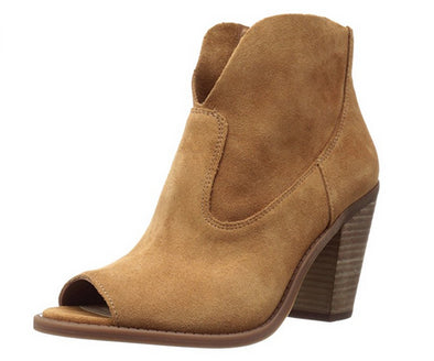 Jessica Simpson Women's Charlotte Heeled Ankle Bootie, Honey Brown