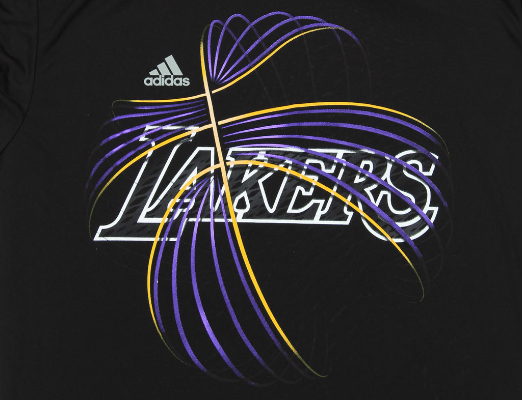 9be4e0665 Adidas NBA Men s Los Angeles Lakers Ultra Lightweight Athletic Rush Graphic  Tee