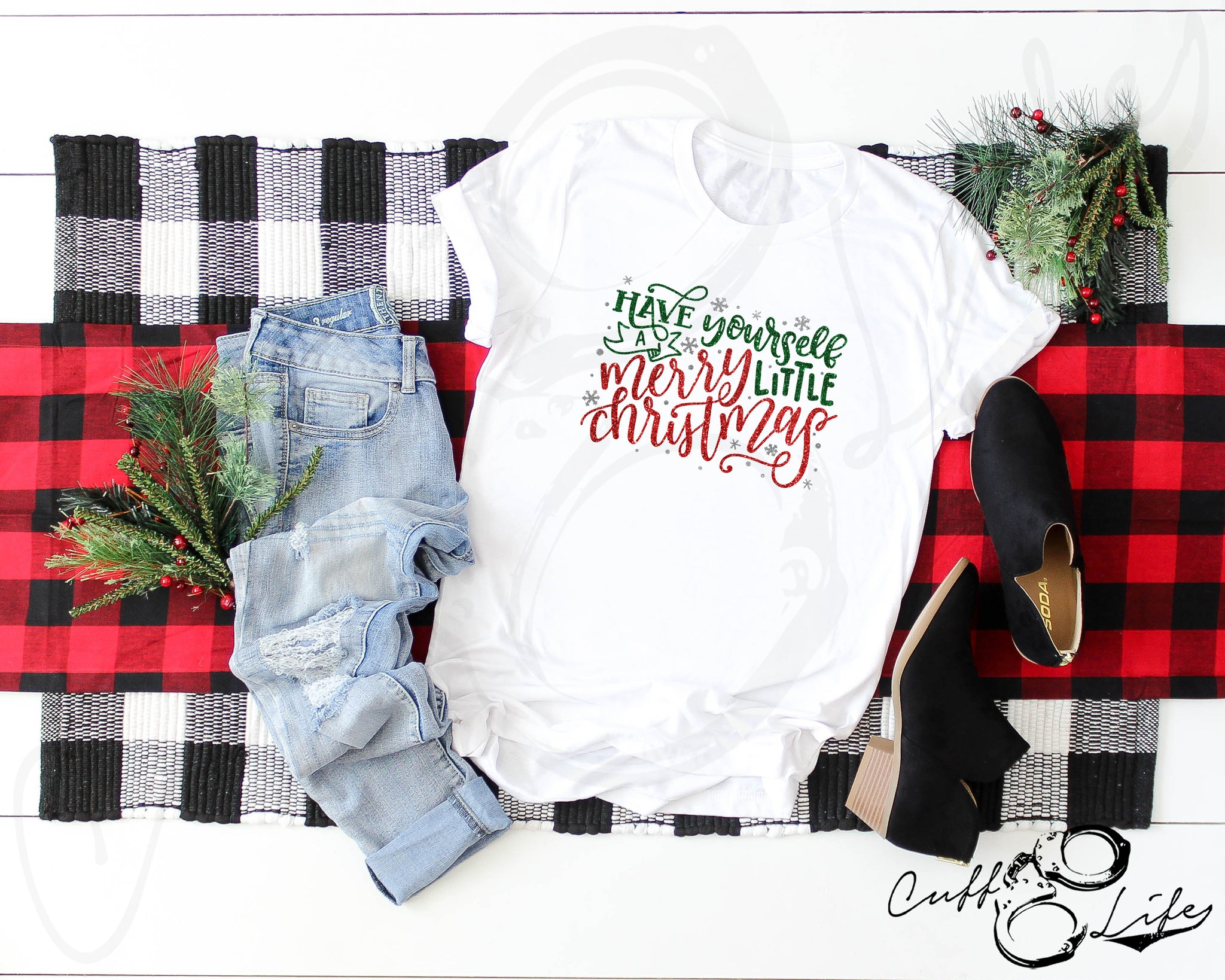Merry Little Christmas - Unisex T-Shirt