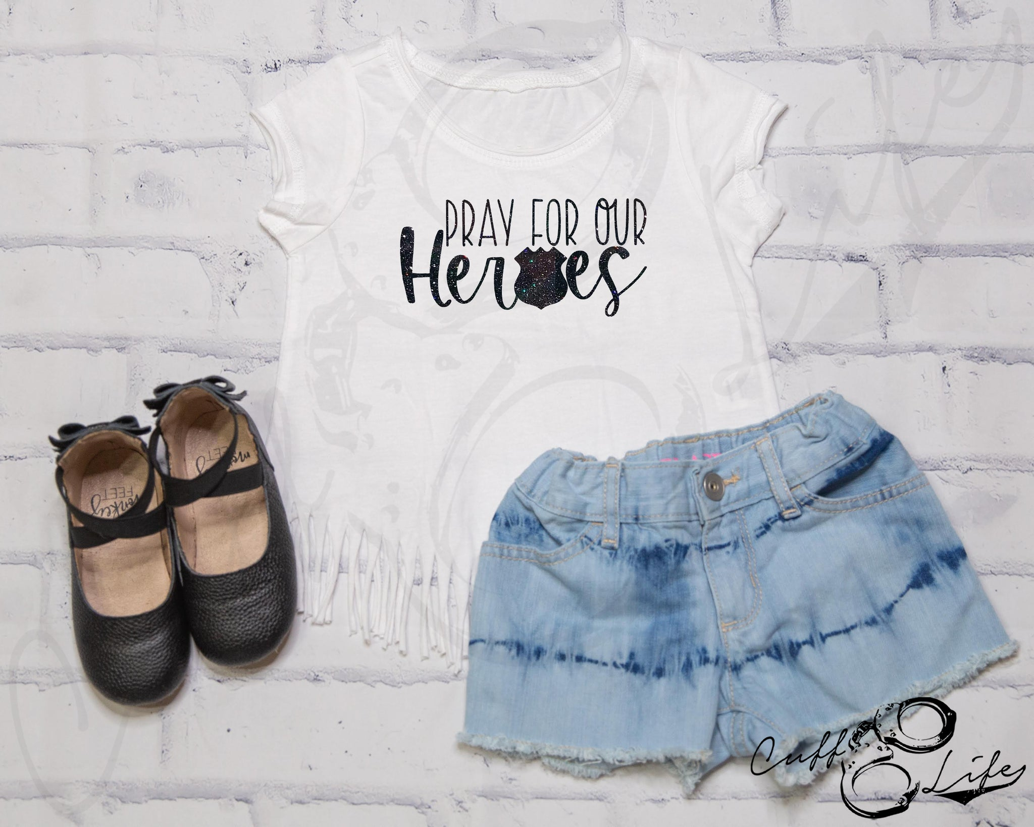 Pray For Our Heroes POLICE © - Fringe Tee