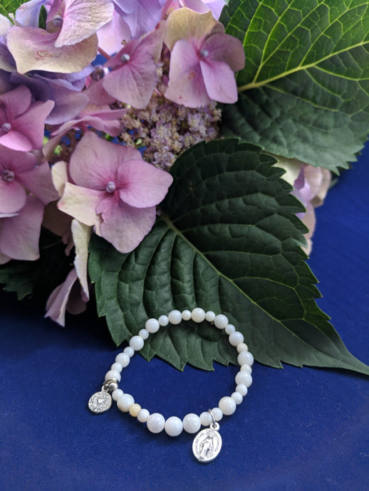 Holy Communion White Shell Stretch Rosary Bracelet