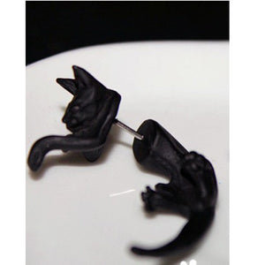 Cat Puncture Earrings -Black Cat Earrings - Earring Studs
