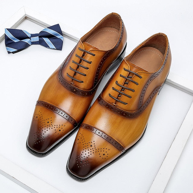 Men's Genuine Wingtip Leather Oxford Shoes Pointed Toe Lace-Up Brogues Business Shoes.