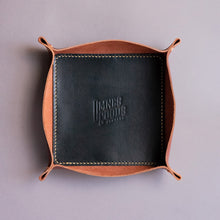 "Carregar imagem no visualizador da galeria, Leather Tray ""TESTAROSSA"" - Dual Color (Borgonha e All Black)"
