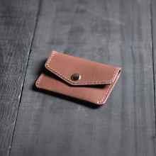 "Carregar imagem no visualizador da galeria, Carteira Mini Pouch ""Speedster"" Double Pocket - Medium Brown"