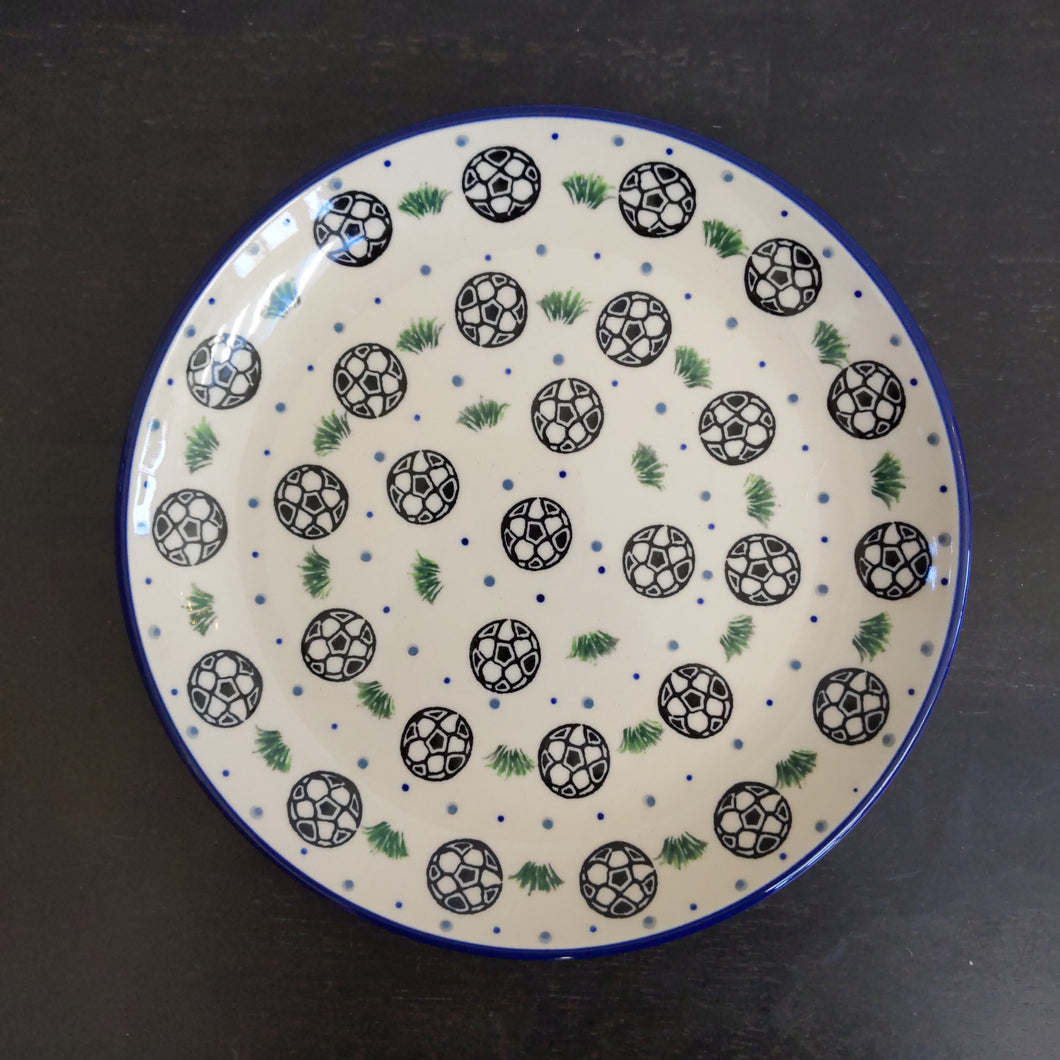 7.75in Plate soccer pattern