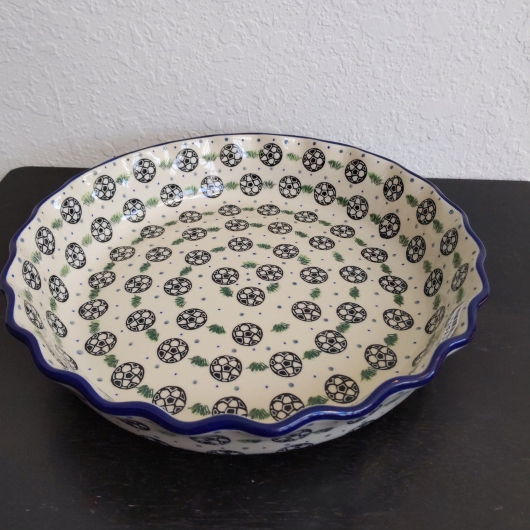 Large Fluted Baker/Pie plate soccer pattern