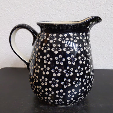 2L Black Blossom Pitcher